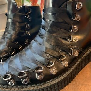 tuk Shoes - Tux corset creepers